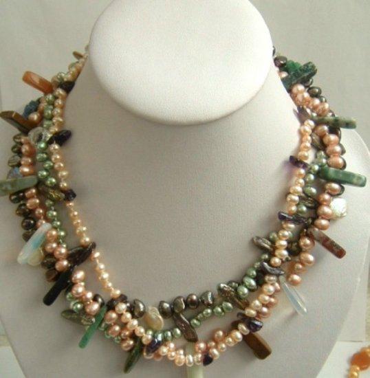 Multicolor gem Fw pearl necklace moonbeam clasp