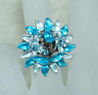 Rhinestone ring flower blue