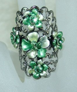 Rhinestone ring green