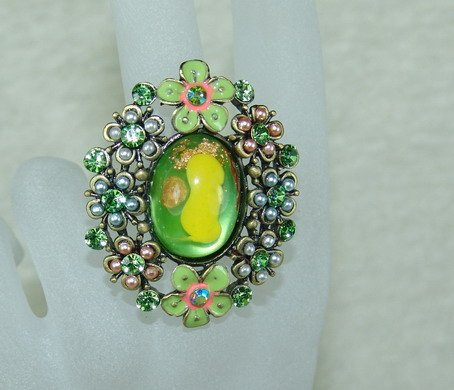Rhinestone ring fancy yellow