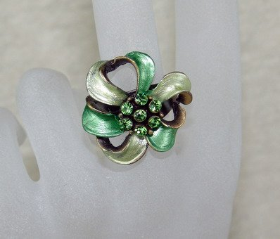 Rhinestone ring cutie green