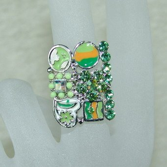 Rhinestone ring apple greem