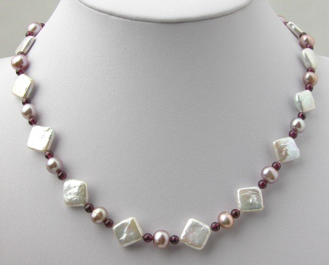 Fw Pearl & Purple Garnet Necklace With Shining Clasp