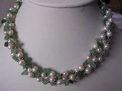 beautiful jade with pearl necklace