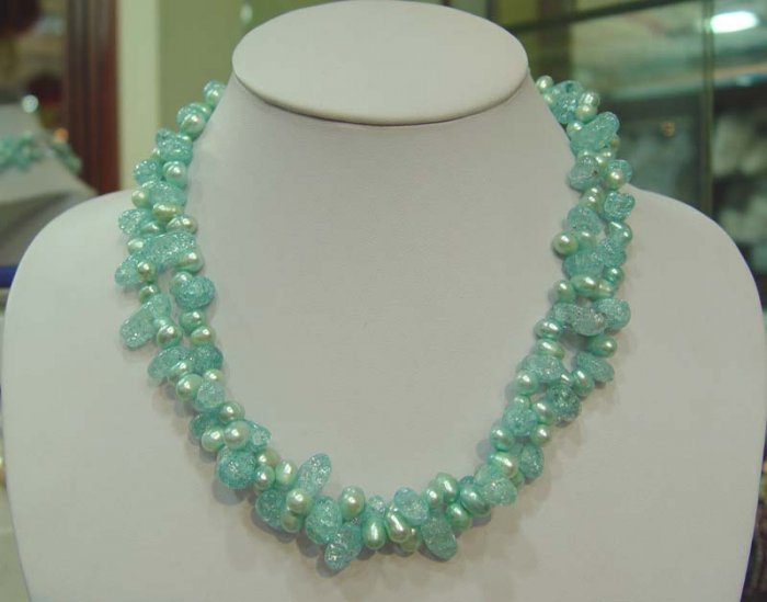 18'' 2 rows light green pearl necklace