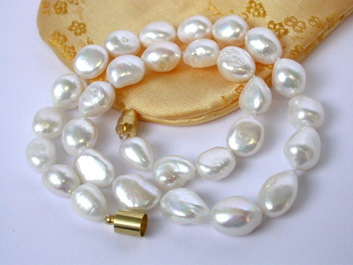 18'' BIG baroque15mm white cultured pearls Necklace