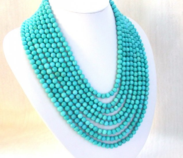 Stunning 8st round blue Turquoise bead necklace
