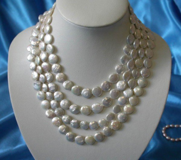 dazzling 4str ROUND white coin pearls necklace