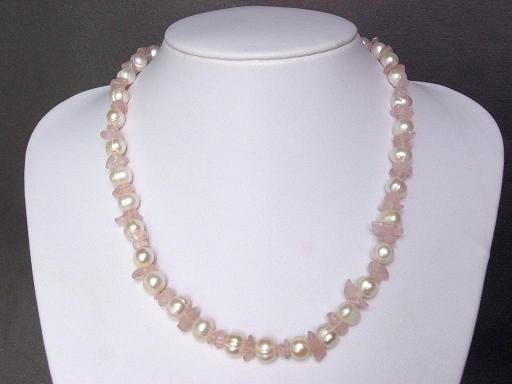 Necklace FW White Pearls with Pink Quartz Nugget