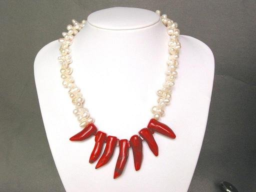 Necklace FW White Twin Pearls Chilipepper Coral