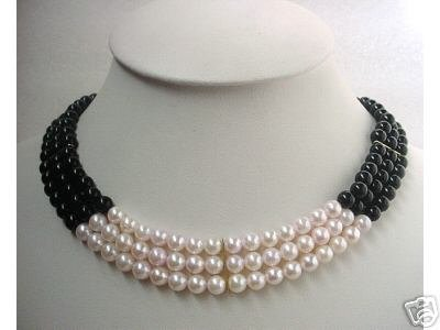16-17'' 3-ROW SEASHELL PEARL & ONYX NECKLACE 14K GOLD