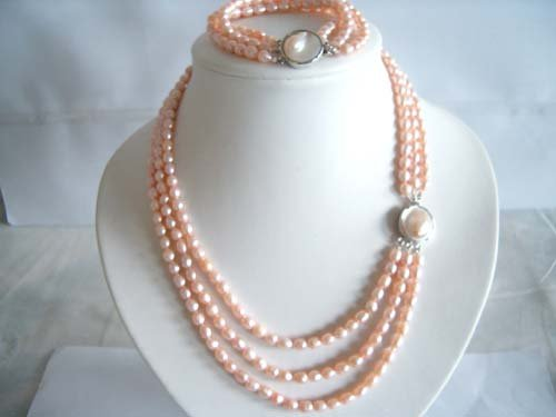 "18"""" triple strand FW pearl Necklace & bracelet"