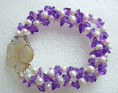 White FW pearl & Amethyst bracelet