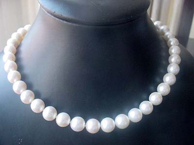 White FW pearl 10-11mm AAA ncecklace 14KGP CLASP