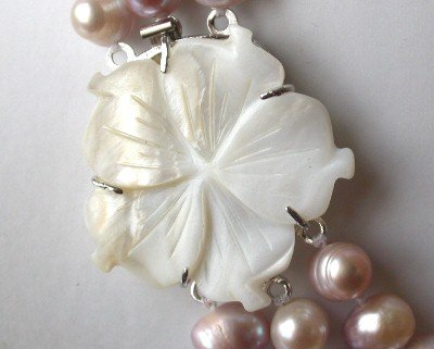 1 pc white flower shell clasp
