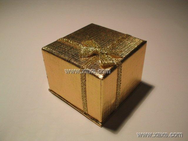 golden square jewelry box