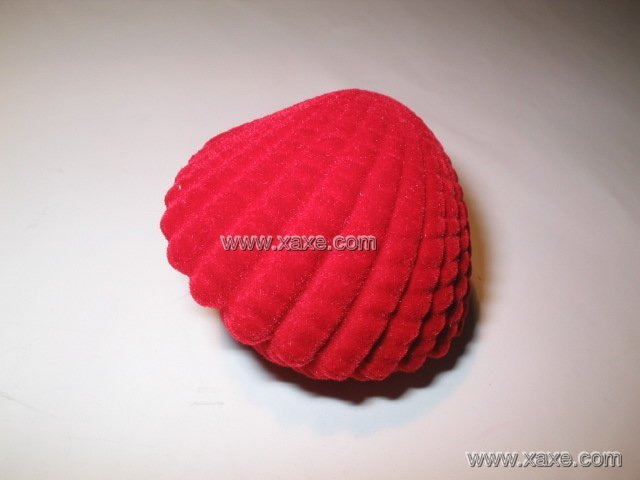red scallop jewelry box