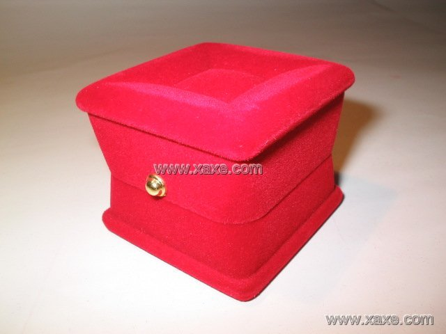red velvet jewelry box