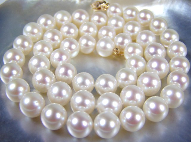 8-9mm white AA freshwater pearl necklace