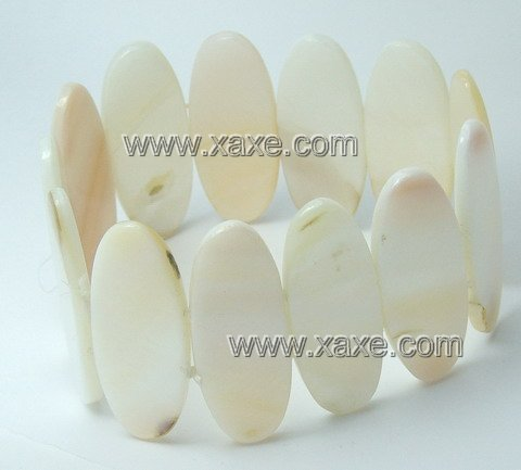 Lovely ivory ellips shell bracelet