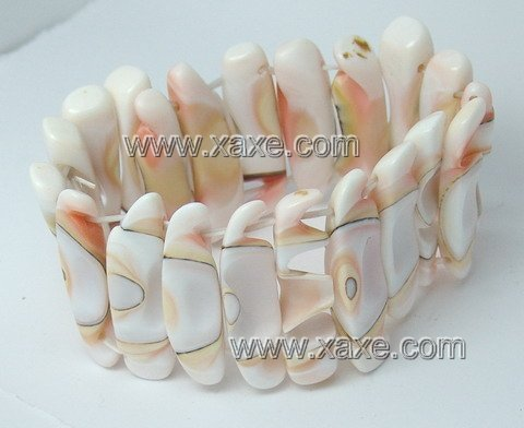 Lovely shell bracelet e