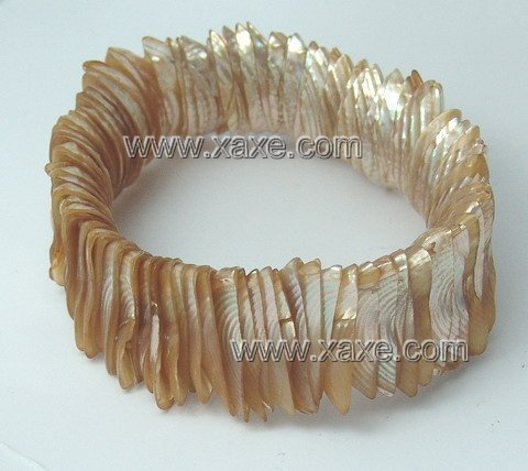 Lovely shining shell bracelet