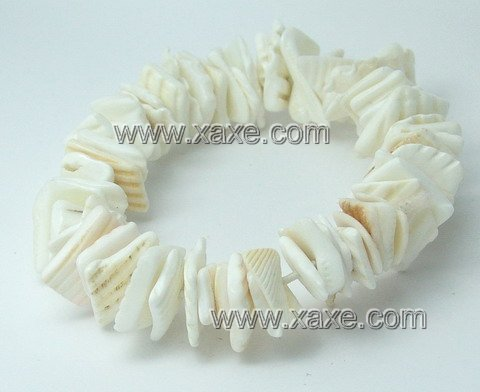 Lovely white shell chip bracelet
