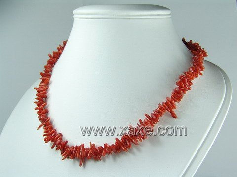 Lovely red coral chip necklace