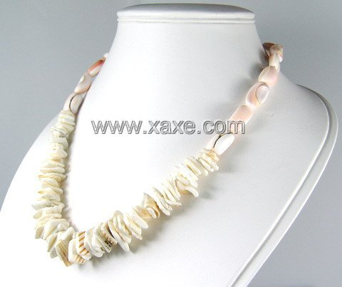 Lovely shell necklace b