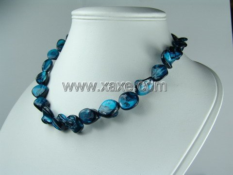 Lovely 15mm shell bead necklace- diamond blue