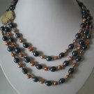 3 row 2-color pearl necklace shell clasp