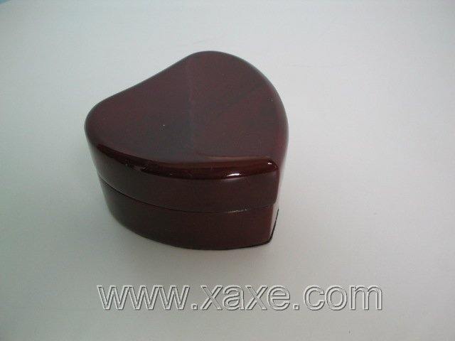 Brown rose wood heart-shape box