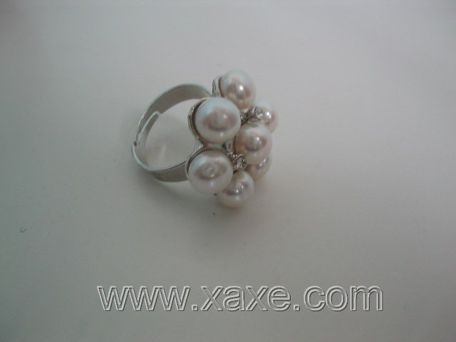 Flower 7pcs freshwater pearl ring - white
