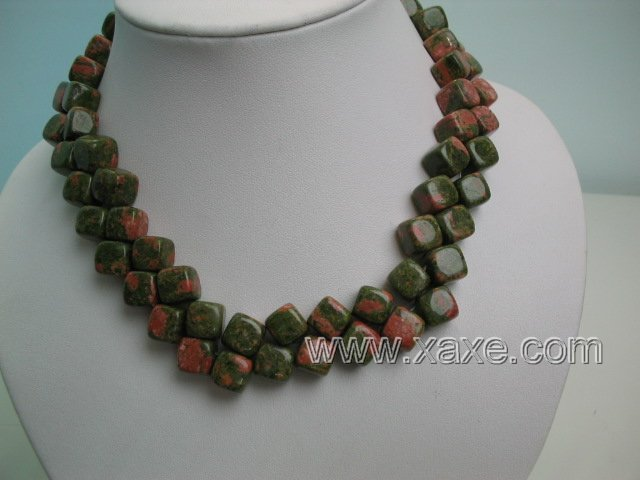 "17"""" 2 strands green piebald stone necklace"