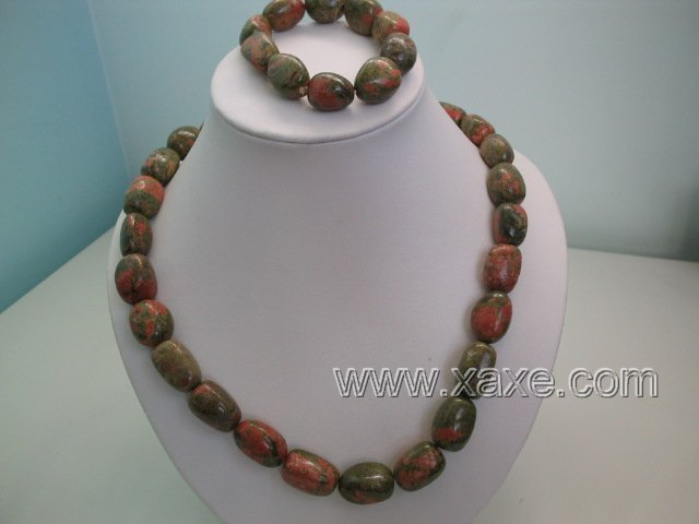 "17"""" barrel shape green piebald stone necklace and 7"""" bracelet"