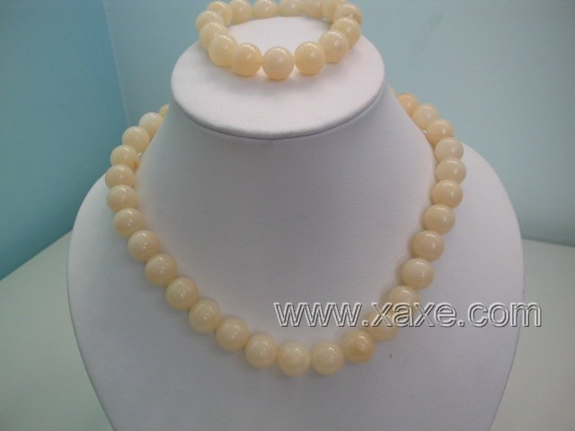 "17"""" ivory jade necklace and elastic bracelet set"
