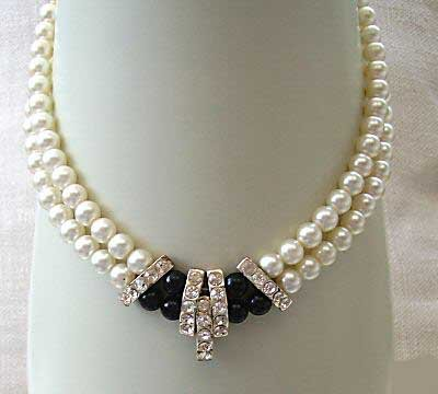 2 strands white seashell pearl and agate necklace