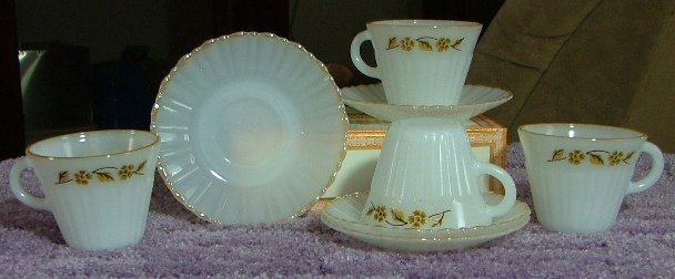 Set of 4 Cups & Saucers by Termocrisa of Mexico, Vintage