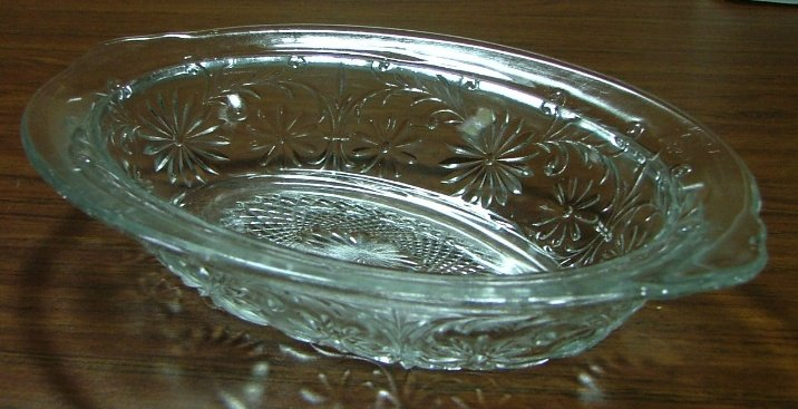 Indiana Glass 10 inch Daisy Serving Bowl, Crystal