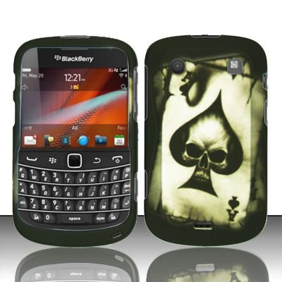 Hard Rubber Feel Design Case for Blackberry Bold Touch 9900/9930 - Spade Skull