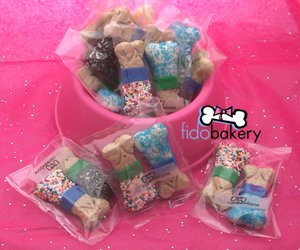 Gourmet Dog Bone Treats & Gifts (FidoBakery BABY Rainbones�)