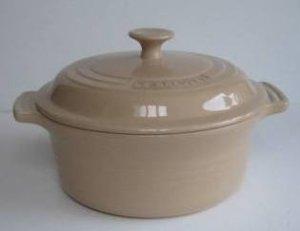 Le Creuset Stoneware 2 Quart Covered Round Casserole, Peach