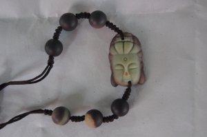 Natural purple robe jade, hand-carved.Weaving.Shakyamuni like a bracelet (the Buddha).