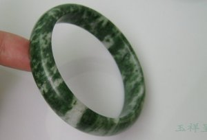 Fine the Lushan jade bracelet, hand-carved, natural color bracelet