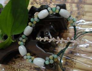 .Natural white jade carving, 4 Passepartout + Park beads, hand-woven bracelet (a pair of price)