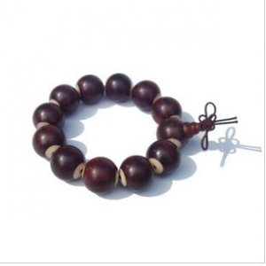 Rosewood carving / sandalwood beads inlaid with cow bone pieces, 18 mm (12 +1) bracelet.