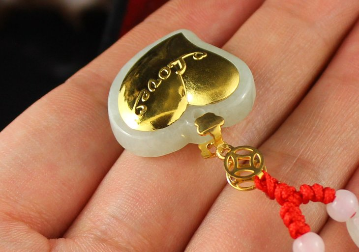 Gold inlaid jade heart lucky necklace and pendant (horse)