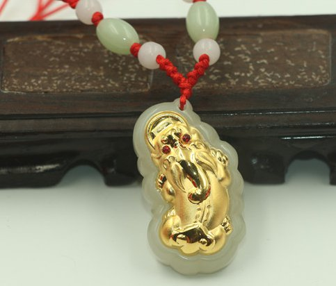 Gold inlaid jade pendant the mythical wild animal (maxim) lucky necklace and pendant