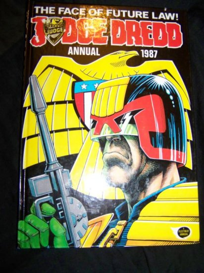 Vintage 1987 JUDGE DREDD ANNUAL Graphic Novel HC Book