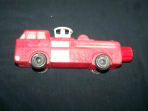 Vintage 1960s FIRE ENGINE Soaky Figure Soap Toy Bottle